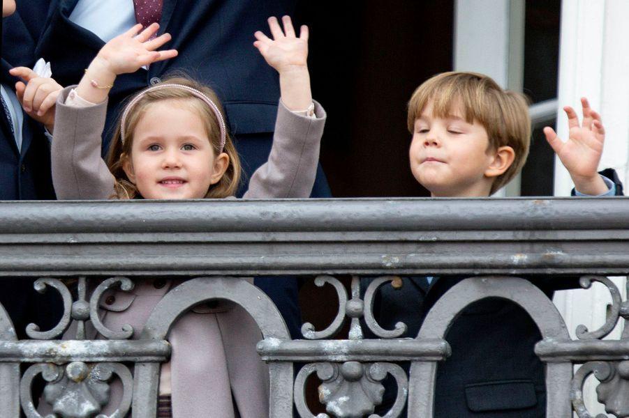 La princesse Joséphine et le prince Vincent de Danemark et sa famille à Copenhague, le 16 avril 2016