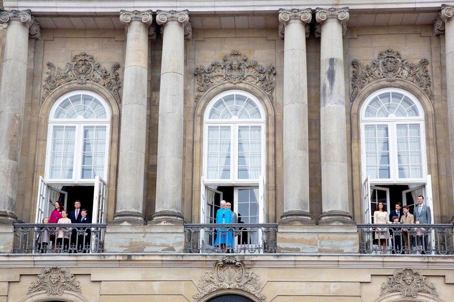 La reine Margrethe II de Danemark et sa famille à Copenhague, le 16 avril 2016