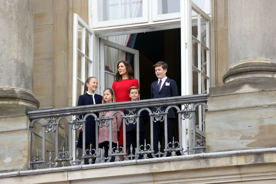 La princesse Mary de Danemark et ses enfants à Copenhague, le 16 avril 2018