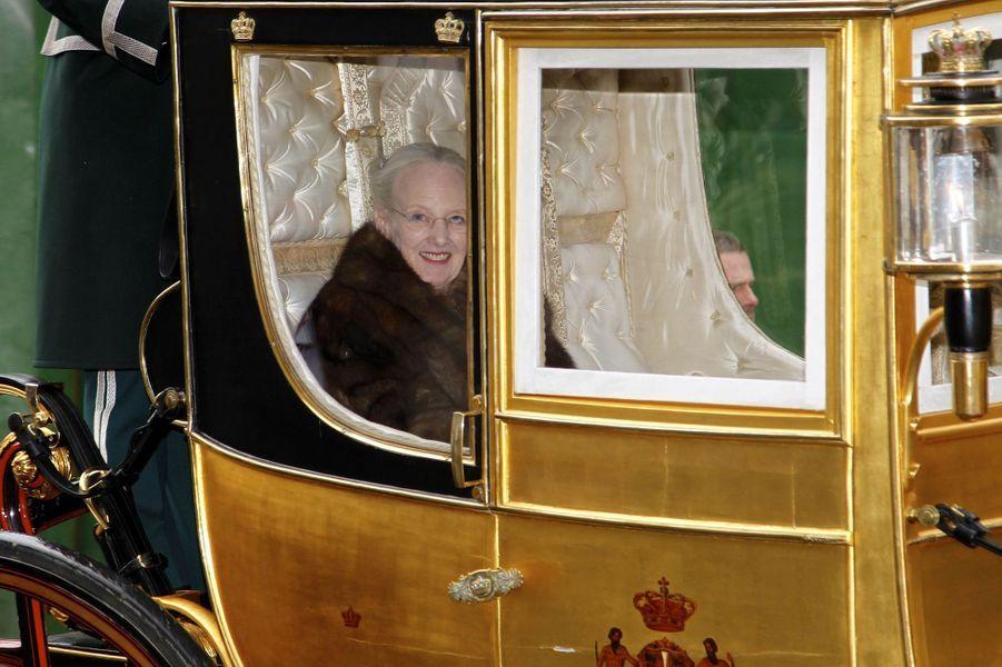 La reine Margrethe II de Danemark à bord du carrosse du roi Christian VIII à Copenhague, le 4 janvier 2018