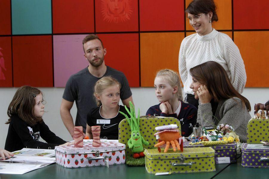 La princesse Marie de Danemark avec de petits asthmatiques à Odense, le 5 avril 2018