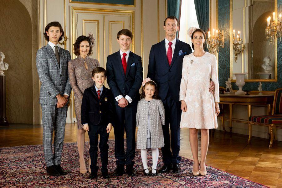 Photo officielle de la confirmation du prince Felix de Danemark, le 1er avril 2017
