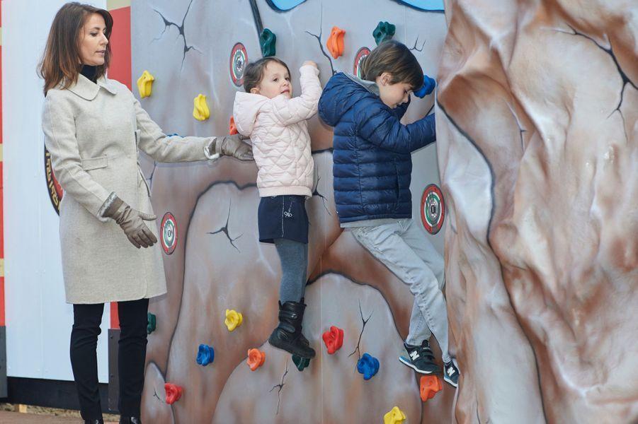 Les princesses Marie et Athena et le prince Henrik de Danemark au Legoland de Billund, le 19 mars 2016