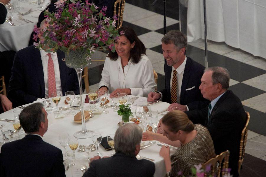 Le prince Frederik de Danemark avec la maire de Paris Anne Hidalgo à Copenhague, le 11 octobre 2019