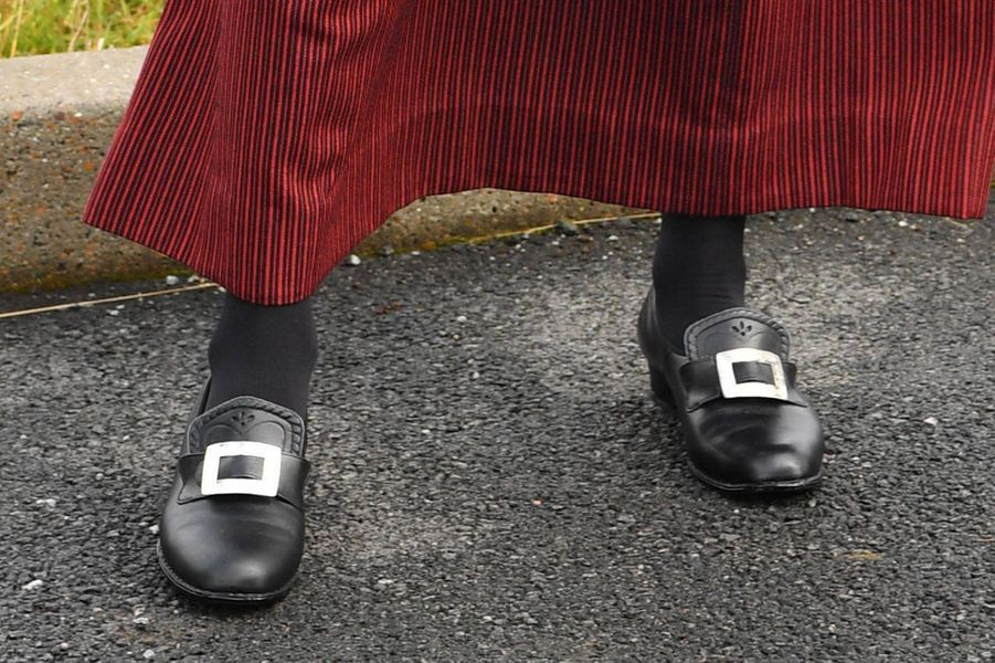 Les chaussures de la princesse Mary de Danemark aux îles Féroé, le 23 août 2018