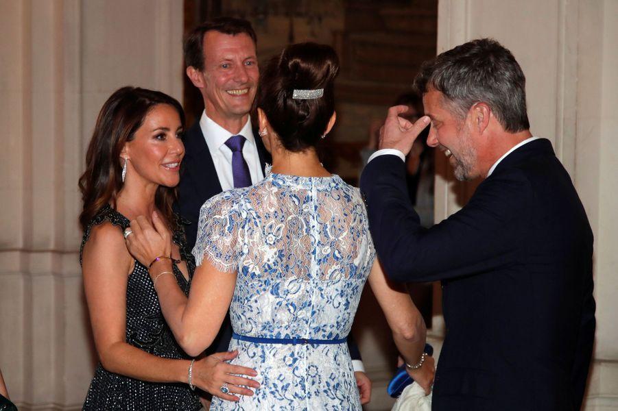La princesse Mary et le prince Frederik de Danemark retrouvent la princesse Marie et le prince Joachim à Paris, le 8 octobre 2019