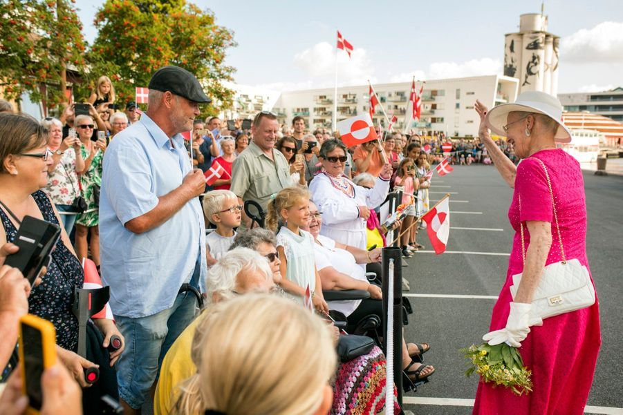 La Reine Margrethe II Du Danemark Dans Le Port De Haderslev Pour Ses Vacances D'été ( 11