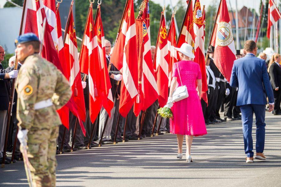 La Reine Margrethe II Du Danemark Dans Le Port De Haderslev Pour Ses Vacances D'été ( 12