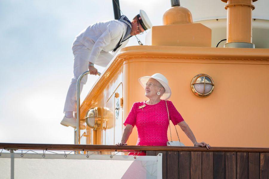 La Reine Margrethe II Du Danemark Dans Le Port De Haderslev Pour Ses Vacances D'été ( 2