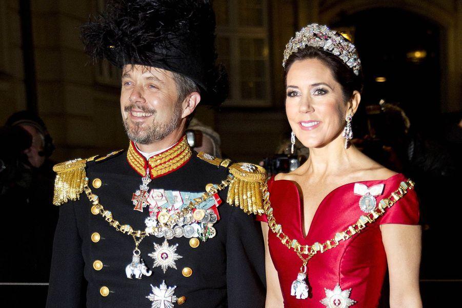La princesse Mary de Danemark avec son époux le prince Frederik à Copenhague, le 1er janvier 2018