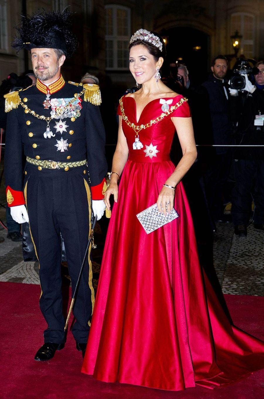 La princesse Mary de Danemark avec son époux le prince héritier Frederik à Copenhague, le 1er janvier 2018