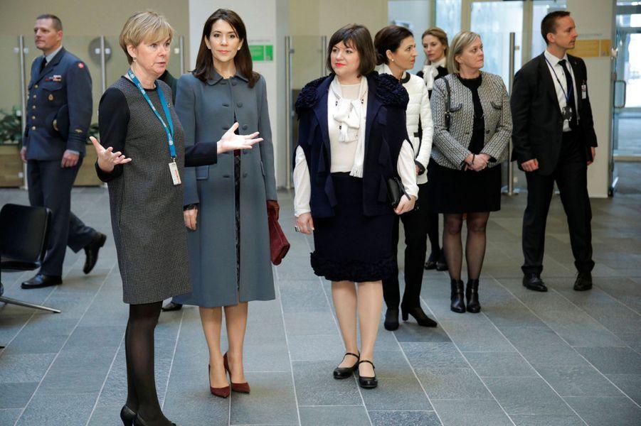 La princesse Mary de Danemark avec l'épouse du président islandais à Copenhague, le 25 janvier 2017