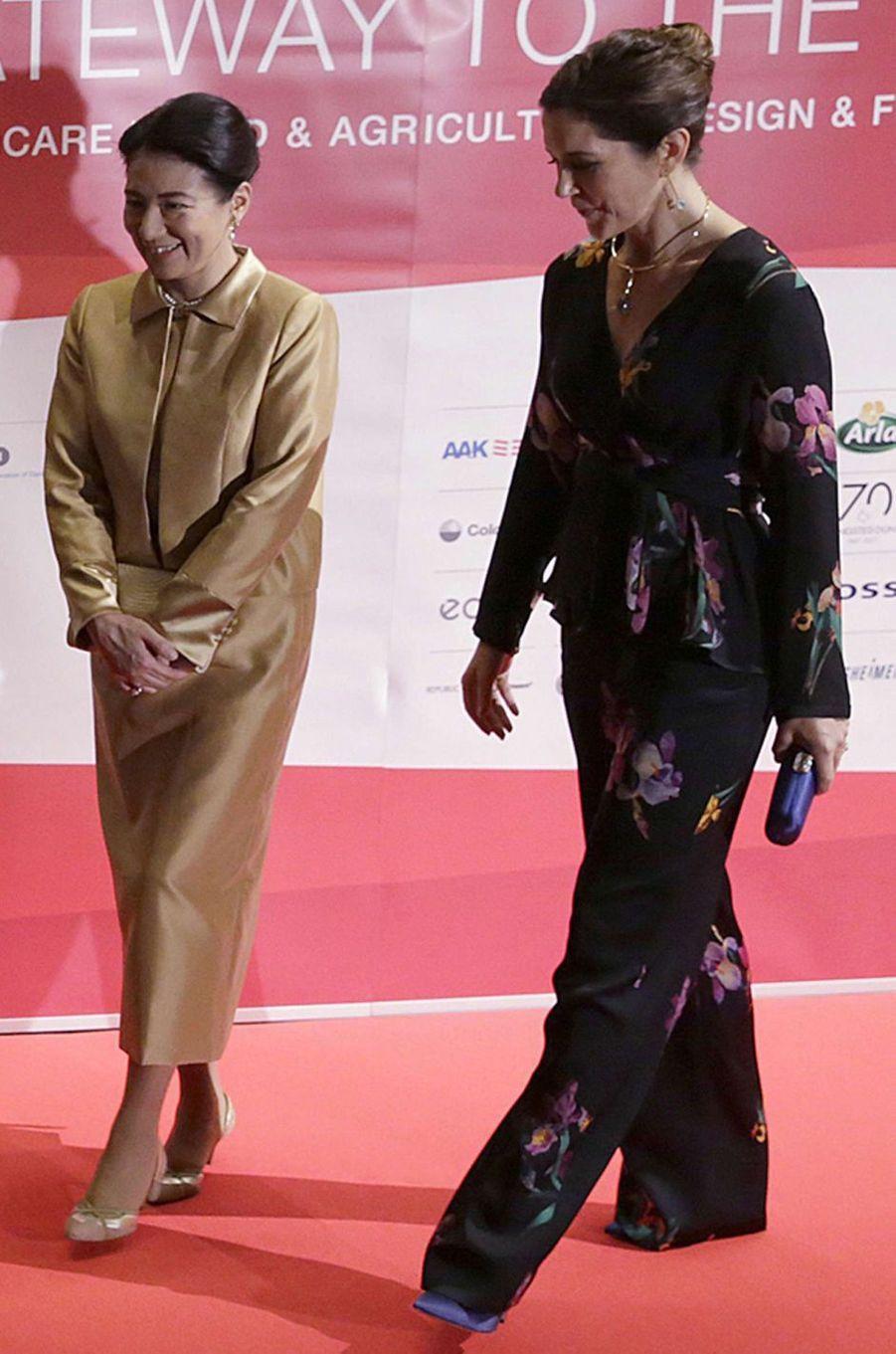 La princesse Mary de Danemark dans un ensemble Etro au Japon, le 12 octobre 2017