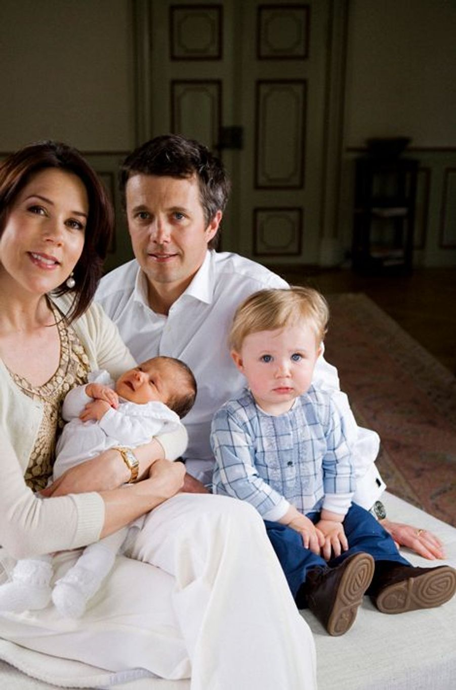 Le prince Christian de Danemark avec ses parents et Isabella le 8 mai 2007