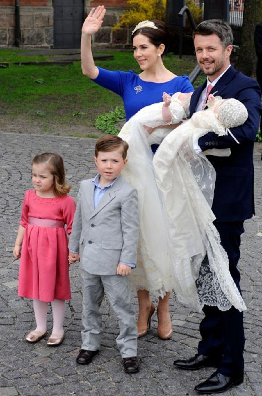 Le prince Christian de Danemark en famille le 14 avril 2011