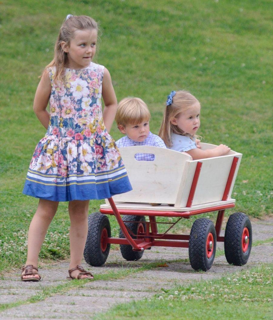 Les jumeaux du Danemark, la princesse Joséphine et le prince Vincent, en juillet 2013