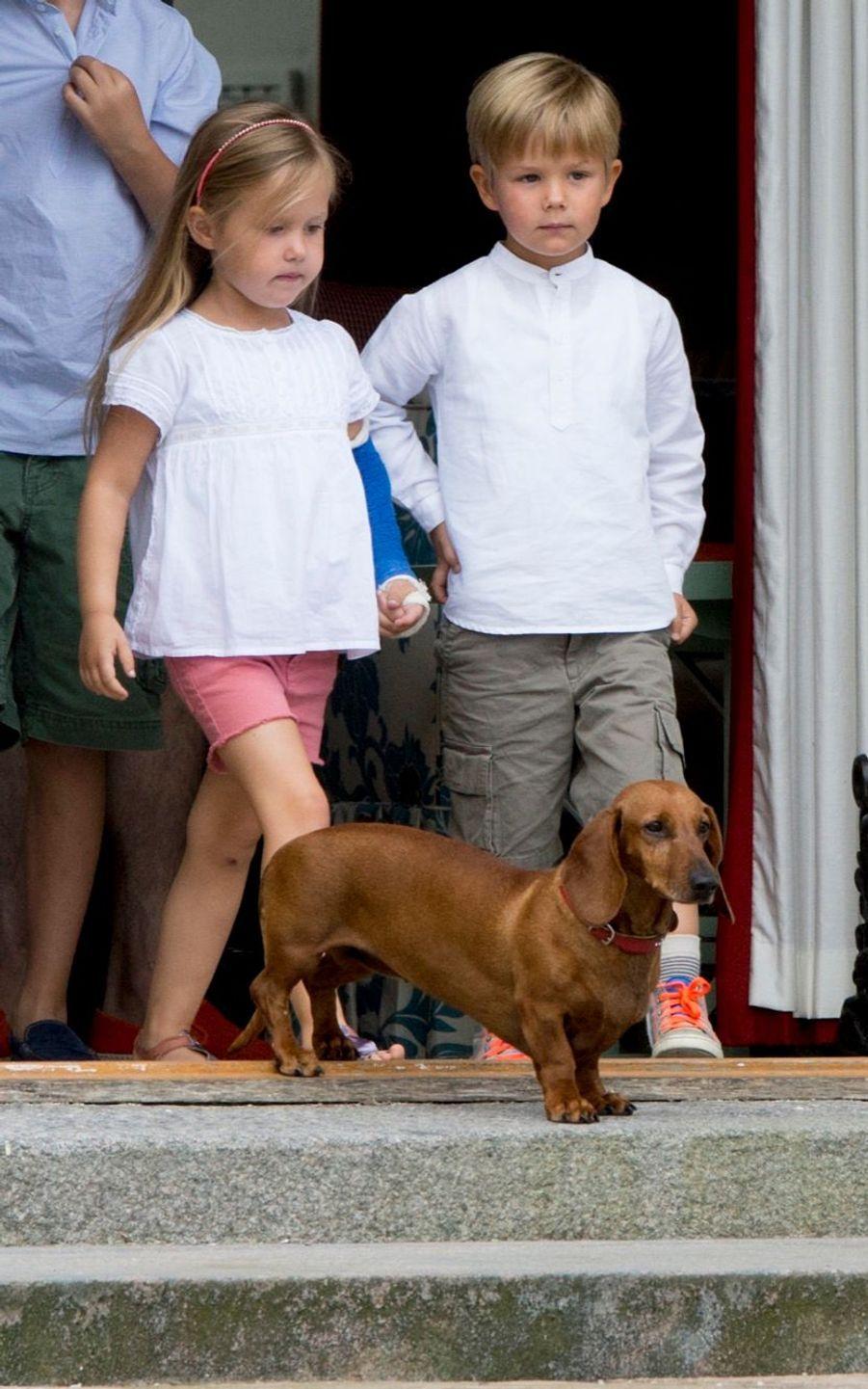 Les jumeaux du Danemark, la princesse Joséphine et le prince Vincent, en juillet 2015