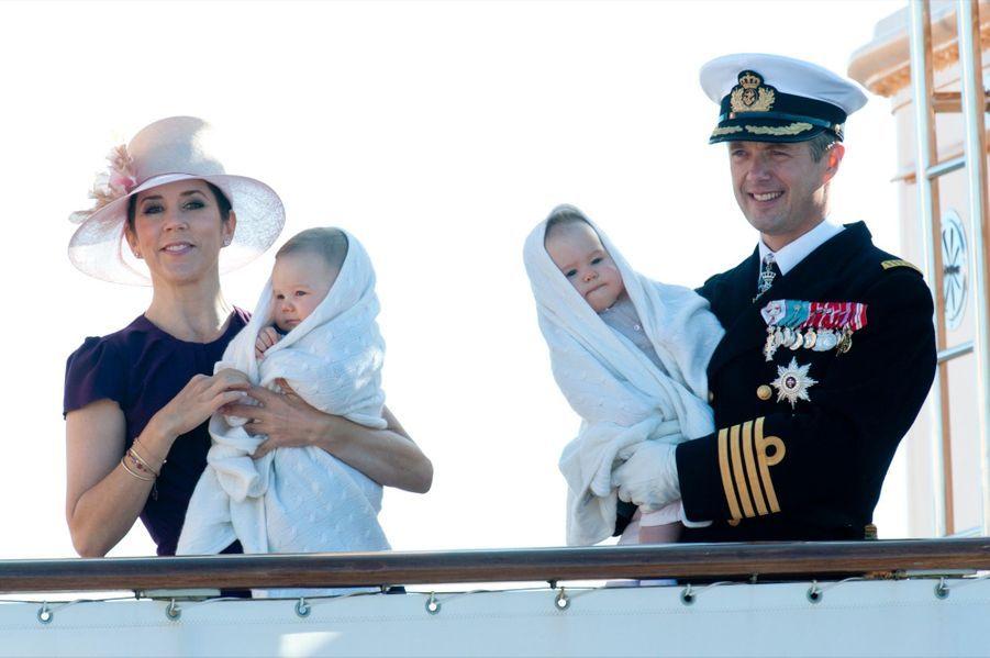 Les jumeaux du Danemark, la princesse Joséphine et le prince Vincent, le 22 aout 2011