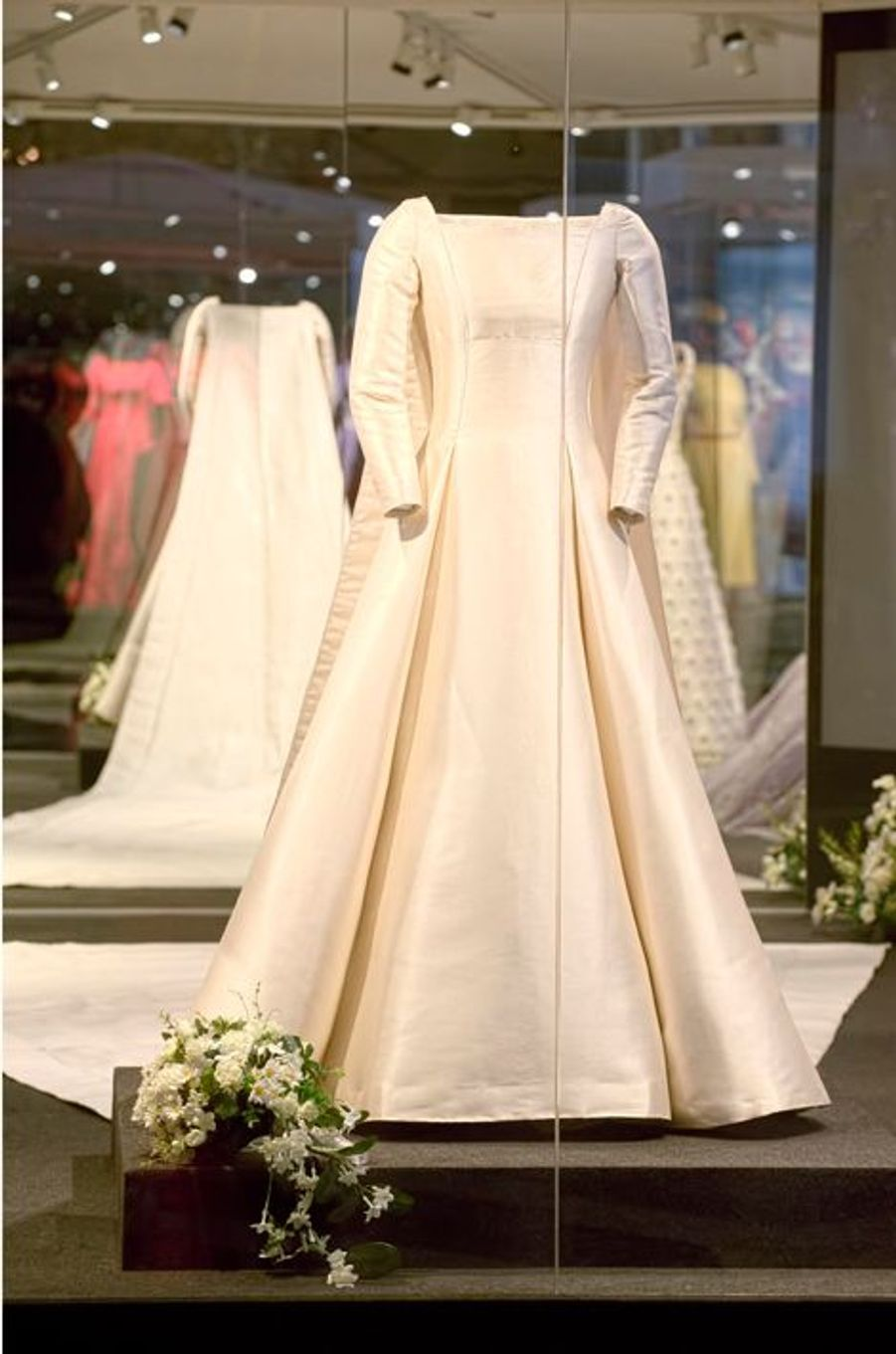 La robe de mariée de la reine Margrethe II exposée à Hillerod, le 25 mars 2015