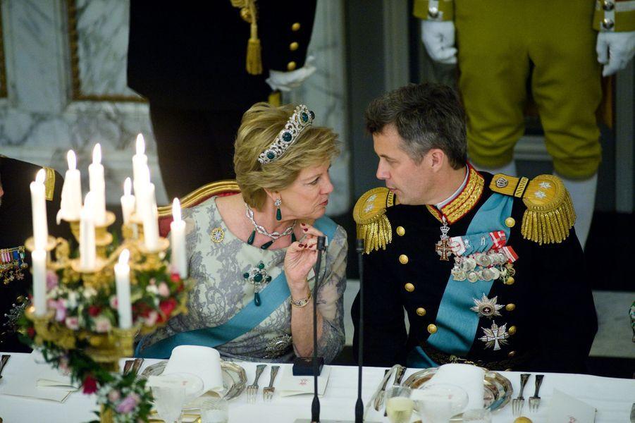 Le prince Frederik de Danemark et sa tante l'ex-reine Anne-Marie de Grèce à Copenhague, le 15 avril 2015