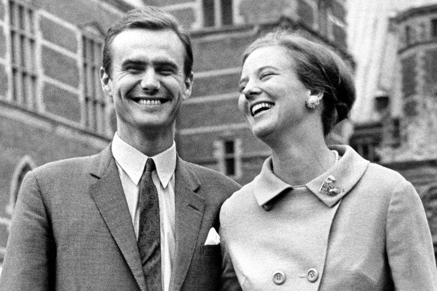 Henri de Laborde de Monpezat avec la princesse Margrethe II de Danemark, pour leurs fiançailles, le 5 octobre 1966