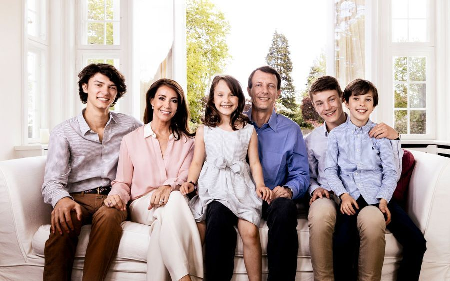 Photo du prince Joachim de Danemark en famille, diffusée pour son 50e anniversaire, le 7 juin 2019