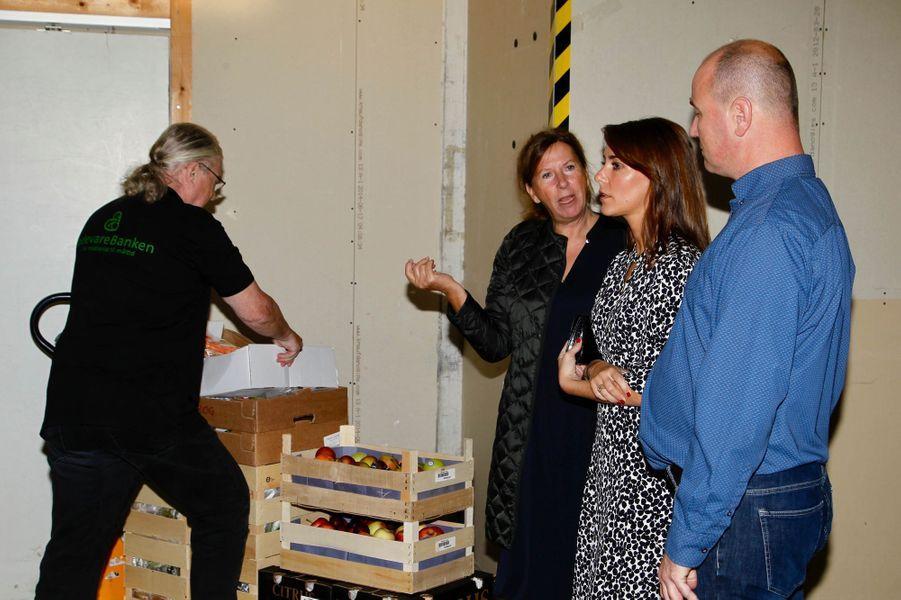 La princesse Marie de Danemark visite l'entrepôt de la Banque alimentaire à Copenhague, le 18 septembre 2018
