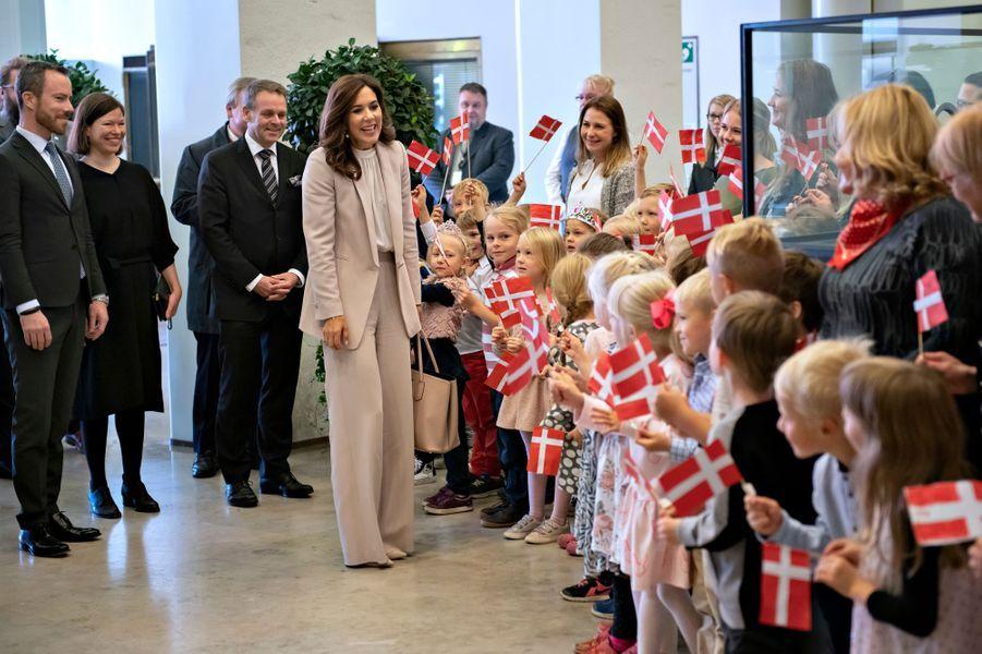 La princesse Mary de Danemark à son arrivée à l'hôtel de ville d'Helsinki, le 13 septembre 2018