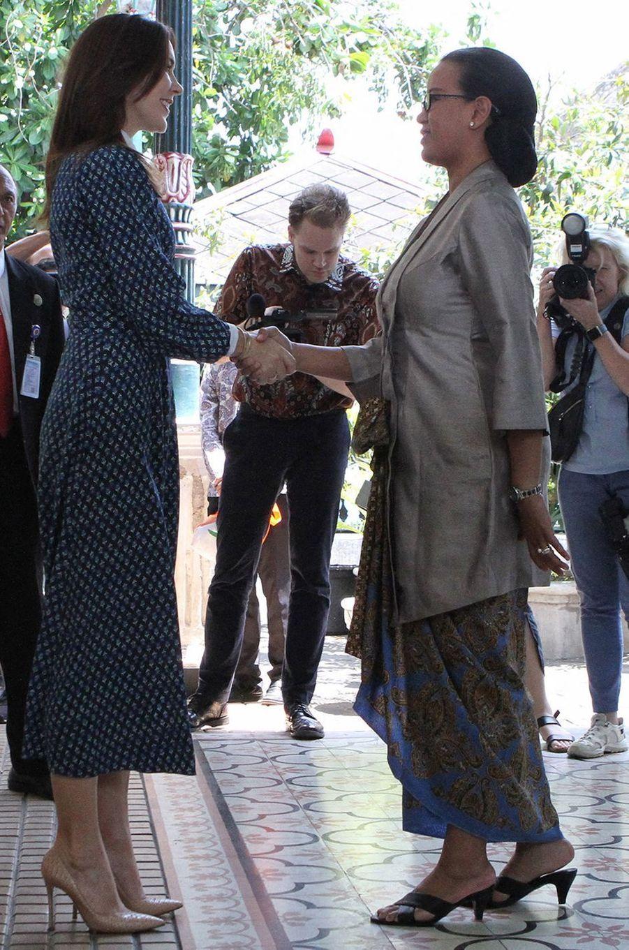 La princesse Mary de Danemark, en Beulah London, à Yogyakarta sur l'île de Java en Indonésie, le 4 décembre 2019
