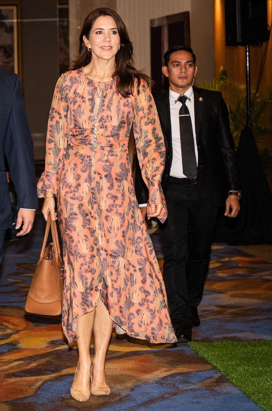 La princesse Mary de Danemark, en H&M Conscious Exclusive, à Jakarta sur l'île de Java en Indonésie, le 2 décembre 2019
