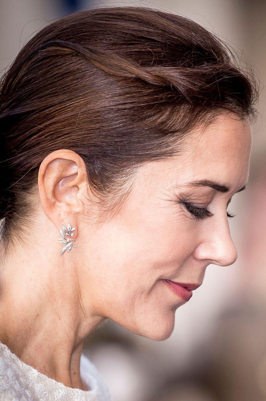 Les boucles d'oreille de la princesse Mary de Danemark à Rome, le 6 novembre 2018