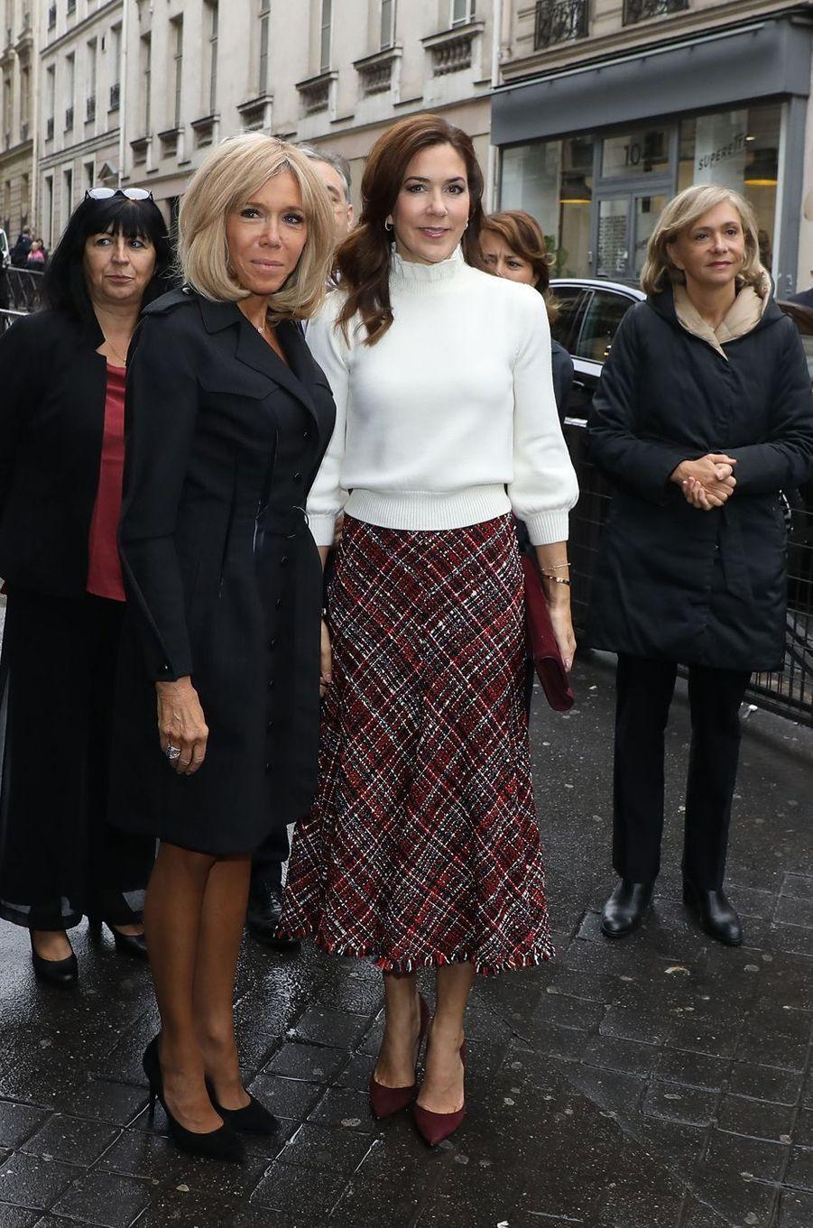 La princesse Mary de Danemark et Brigitte Macron, le 9 octobre 2019 à Paris