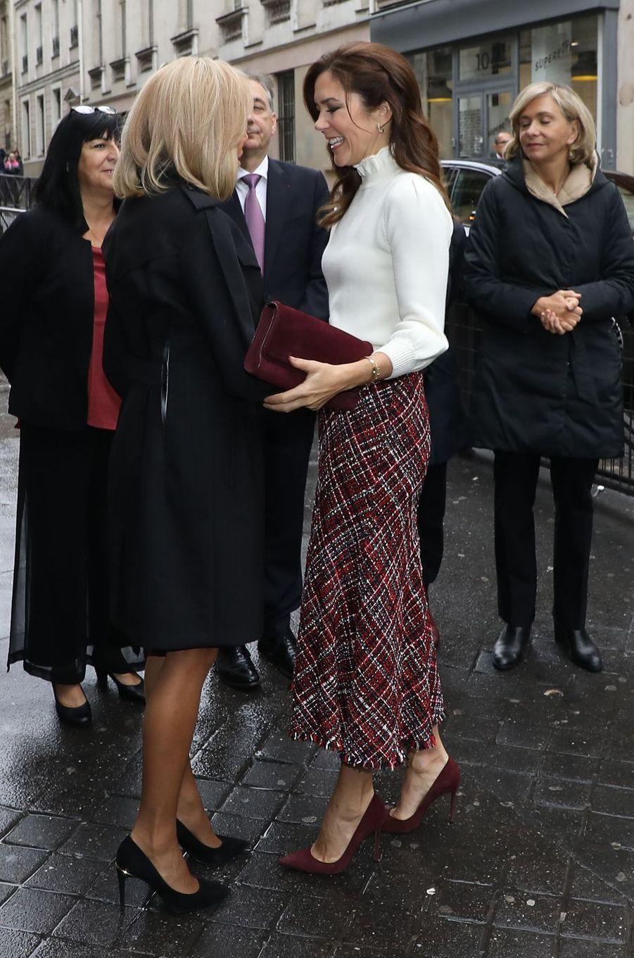 La princesse Mary de Danemark retrouve Brigitte Macron à Paris, le 9 octobre 2019