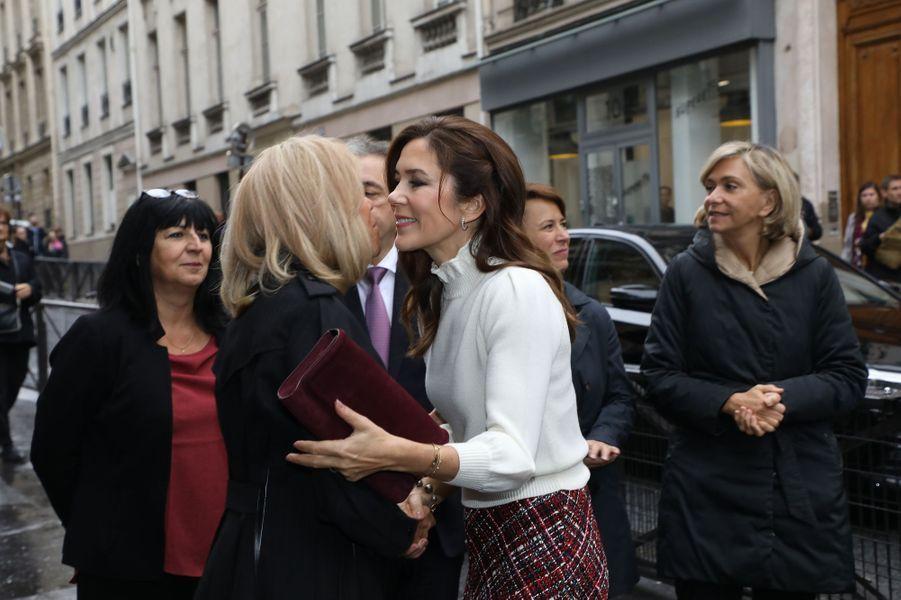 La princesse Mary de Danemark avec Brigitte Macron à Paris, le 9 octobre 2019