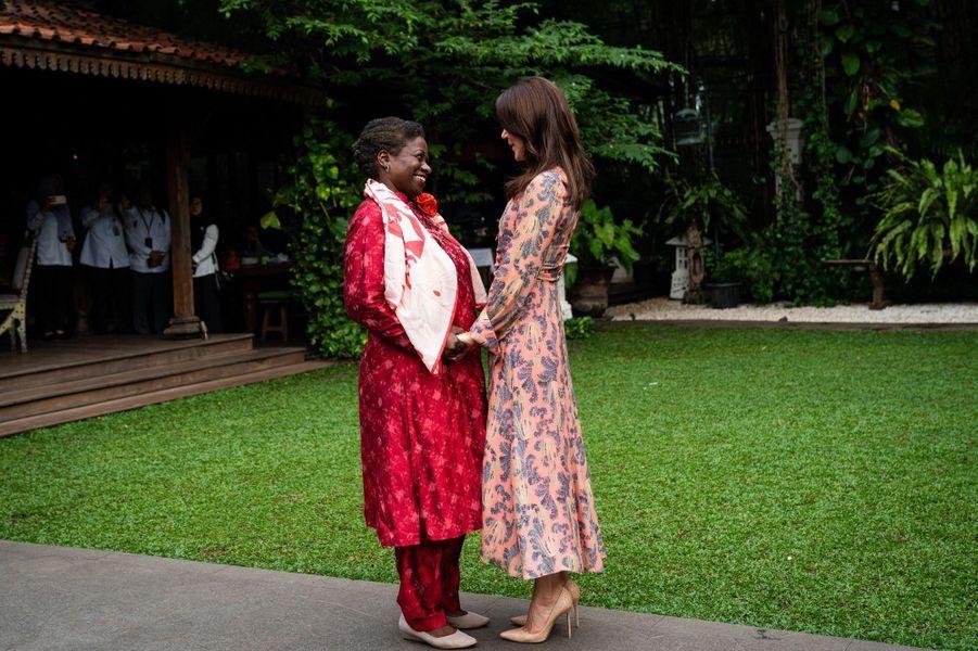 La princesse Mary de Danemark avec la Dr Natalia Kanem à Jakarta, le 2 décembre 2019