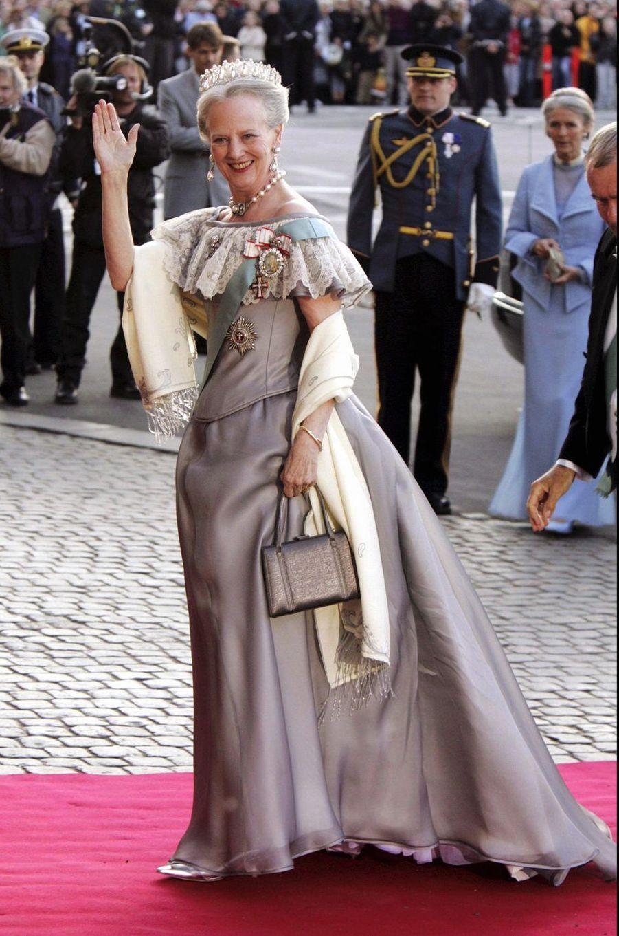 La reine Margrethe II de Danemark le 13 mai 2004, lors de la soirée de la veille du mariage de son fils aîné le prince Frederik