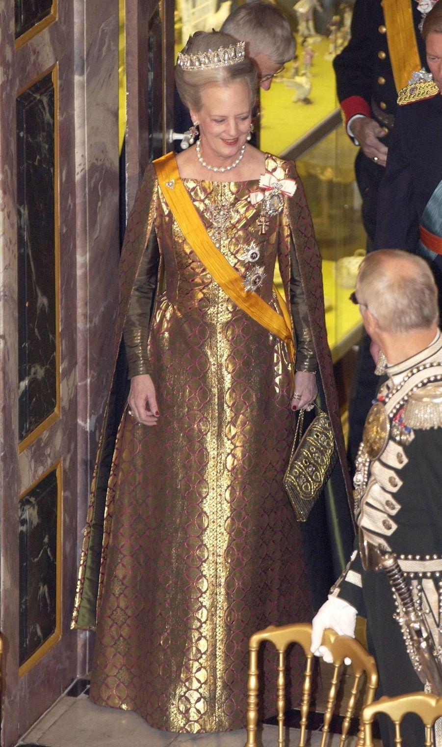 La reine Margrethe II de Danemark lors du banquet d'Etat pour le grand-duc Henri et la grande-duchesse Maria Teresa de Luxembourg, le 20 octobre 2003