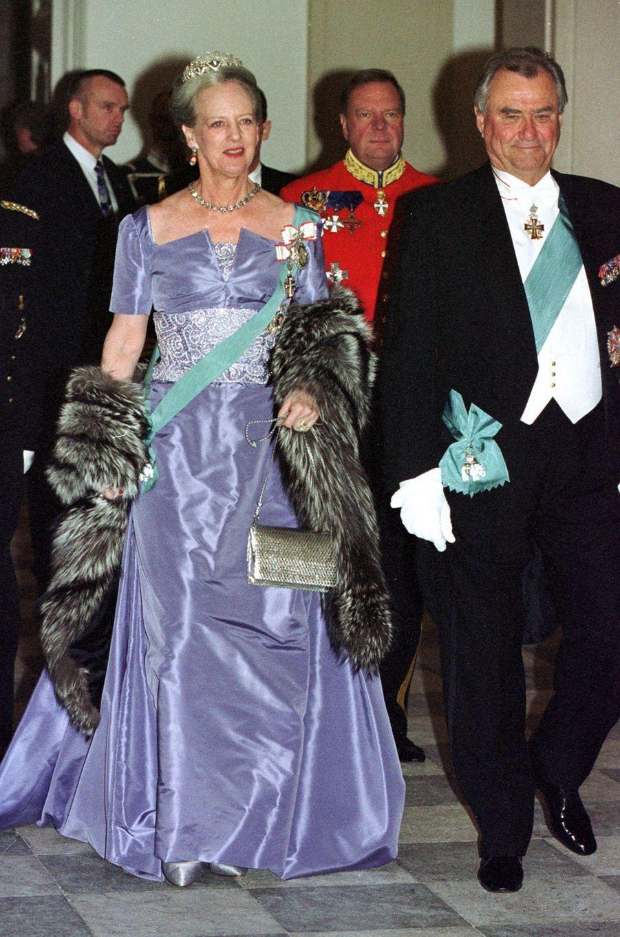 La reine Margrethe II de Danemark lors d'une réception pour le gouvernement et le Parlement, le 14 mars 2001