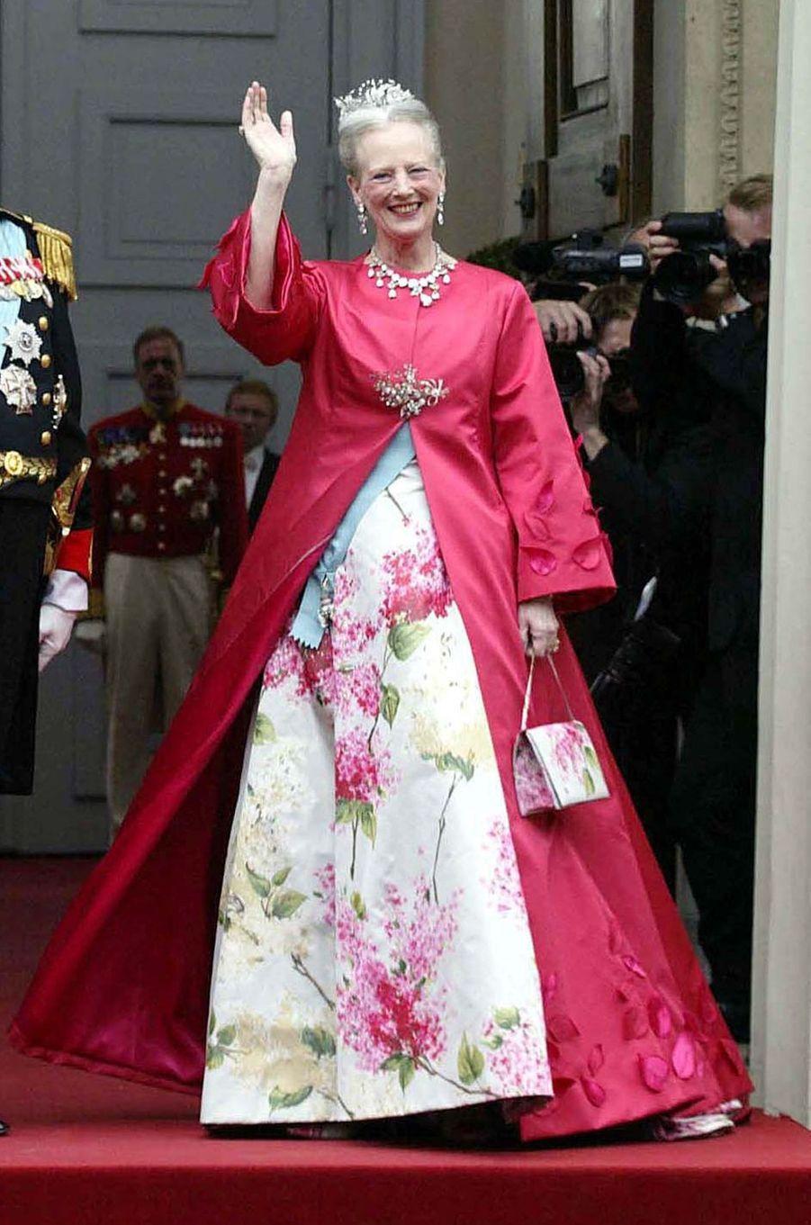 La reine Margrethe II de Danemark au mariage de son fils aîné le prince Frederik, le 14 mai 2004