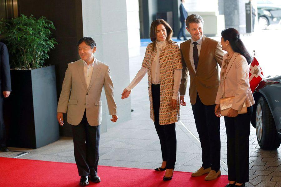 La princesse Mary et le prince héritier Frederik de Danemark avec la princesse Masako et le prince héritier Naruhito du Japon à Tokyo, le 8 octobre 2017