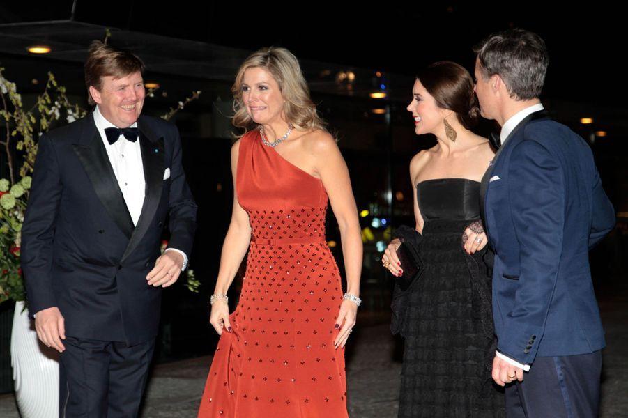 La princesse Mary et le prince Frederik de Danemark avec la reine Maxima et le roi Willem-Alexander des Pays-Bas à Copenhague, le 18 mars 2015