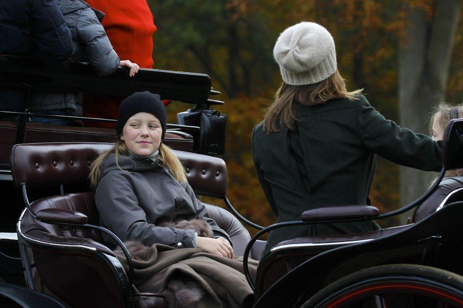 Les princesses Isabella et Mary de Danemark à Klampenborg, le 5 novembre 2017