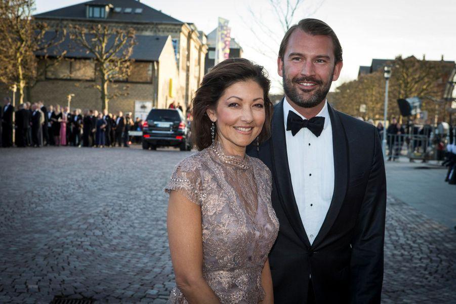 La comtesse Alexandra avec le footballeur originaire d'Aarhus Martin Joergensen, à Aarhus le 8 avril 2015