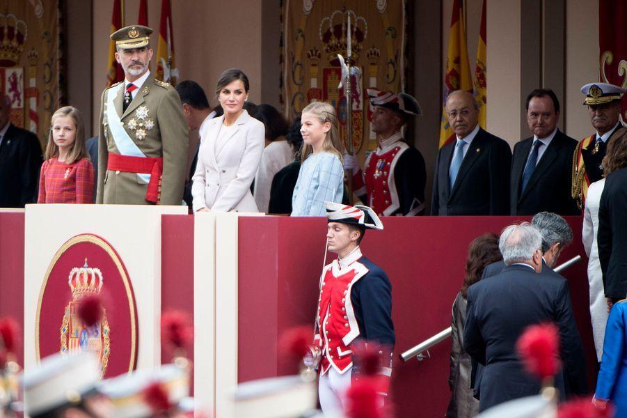 La princesse Leonor d'Espagne à la droite du roi Felipe VI, le 12 octobre 2018