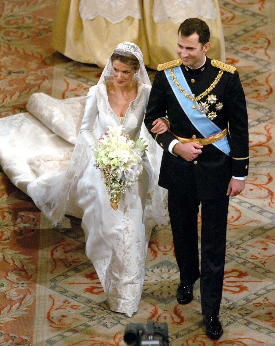 Letizia Ortiz et le prince Felipe d'Espagne à Madrid le 22 mai 2004, jour de leur mariage