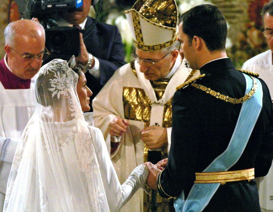 Letizia Ortiz et le prince Felipe d'Espagne le jour de leur mariage à Madrid, le 22 mai 2004