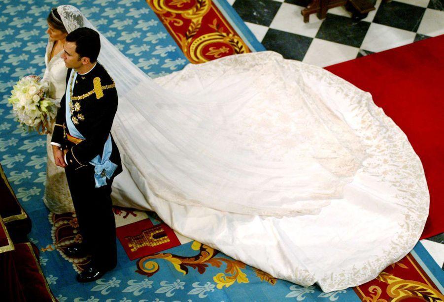Le prince Felipe d'Espagne et Letizia Ortiz le jour de leur mariage à Madrid, le 22 mai 2004