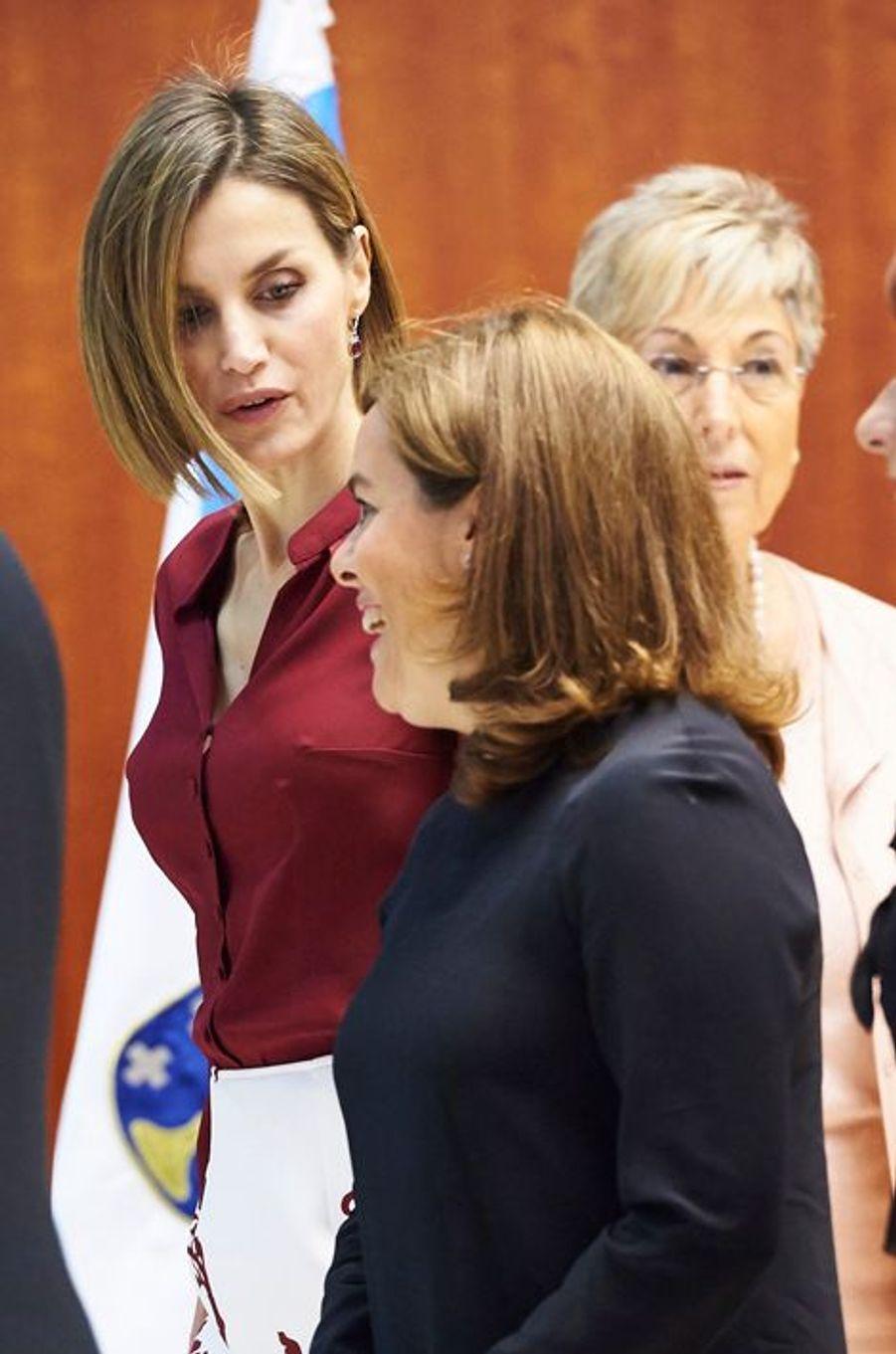 La reine Letizia d'Espagne avec Soraya Saenz de Santamaría à Madrid, le 9 septembre 2015