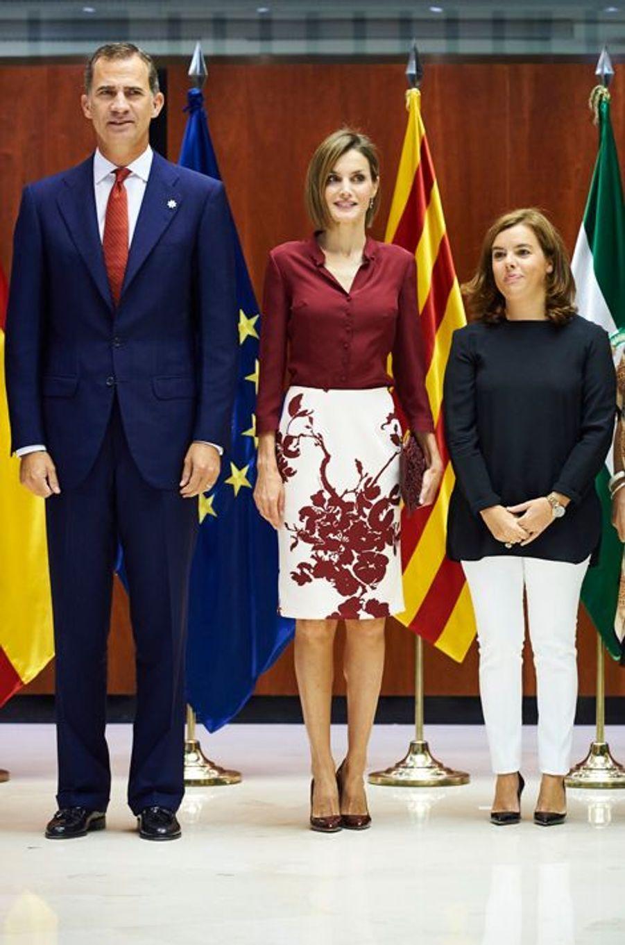 La reine Letizia et le roi Felipe VI d'Espagne avec Soraya Saenz de Santamaría à Madrid, le 9 septembre 2015