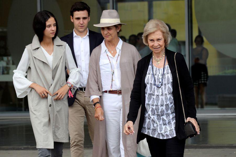 L'ex-reine Sofia d'Espagne, la princesse Elena et ses enfants, à Madrid le 27 août 2019